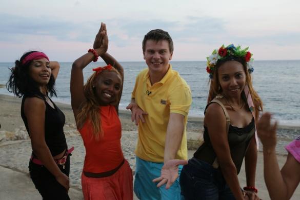 Танцы Комарова на Кубе