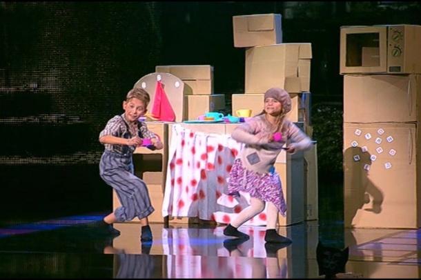 Команда Каменських. Танцюристи: Нікіта Малакі та Вікторія Смитанюк. Другий раунд