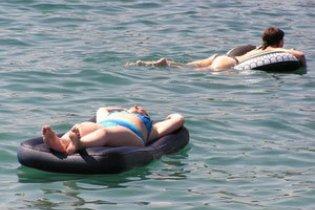 Мчсники спасли российских туристов, которых унесло в открытое море