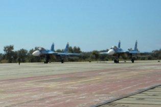 В Крым прилетели военные самолеты России