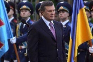 """Янукович пообіцяв відстоювати демократію попри """"інтереси егоїстичних політиків"""""""