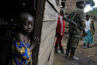 Біля бази ООН в Конго бойовики тиждень ґвалтували 200 жінок та дітей