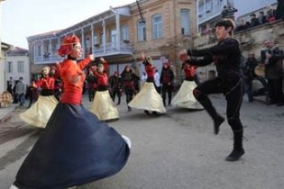 Саакашвілі навчить школярів грузинським танцям