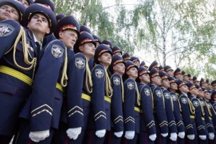 Янукович провел кадровые перестановки во внутренних войсках МВД