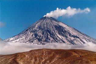 Прокинувся найбільший вулкан Євразії