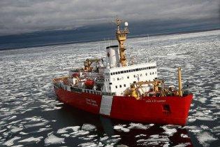 В Канаде разбился лайнер с почти 200 пассажирами на борту