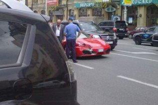Колліна на Ferrari скоїв ДТП у Києві