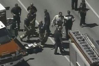 У США застрелили озброєного чоловіка, який намагався увірватися до школи