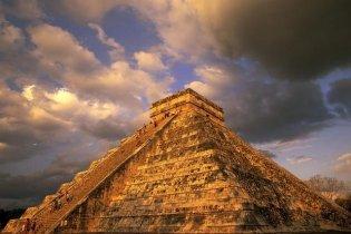 """В Мексике построили город, где можно будет пережить """"конец света"""""""