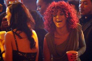 Трек Ріанни зняли з ефіру через зайву популярності співачки