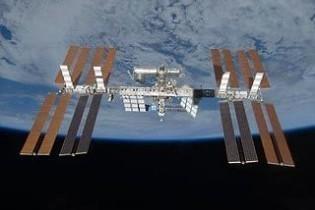 Екіпаж МКС евакуювали через космічне сміття