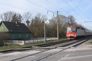На Вінничині пасажирський потяг зіткнувся з КамАЗом