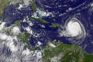 """В США началась эвакуация из-за приближения урагана """"Эрл"""""""