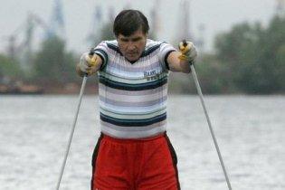 Російський вчитель навчився ходити по воді
