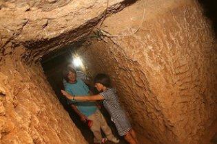 Китаец построил подземную квартиру за 147 долларов