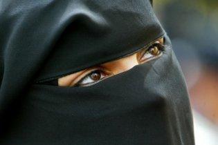 Франція остаточно заборонила мусульманкам закривати обличчя
