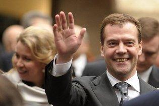 """Медведев поблагодарил за поздравления: """"Приятно. Чесссное слово!"""""""