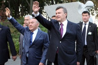 Янукович пригласил в Украину казахский бизнес
