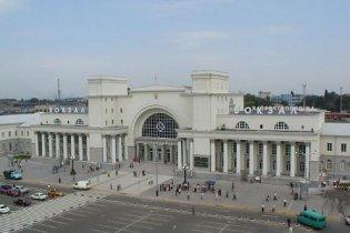 Стрельба на вокзале в Днепропетровске: один милиционер погиб, другой ранен