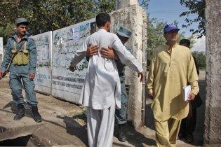 Парламентські вибори в Афганістані почалися з обстрілів і вибухів