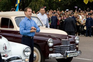 Мєдвєдєв написав у Twitter про теплий прийом в Україні