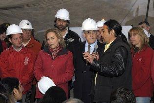 До чилійських шахтарів приєднався президент країни