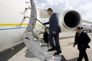 Янукович улетел в США