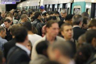 Франция поднялась на всеобщую забастовку против пенсионной реформы