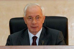 Азаров построит газовый терминал в Одесской области