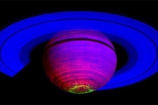 Астрономы получили уникальное видео с Сатурна