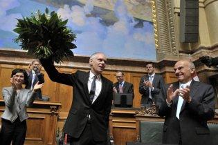Министр финансов Швейцарии сорвал заседание парламента безудержным хохотом