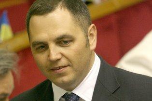 Бывший юрист БЮТ Портнов решил уйти от Януковича