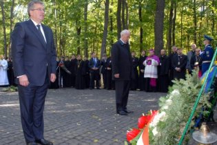 Президент Польщі хоче, щоб під Києвом відкрили польський цвинтар