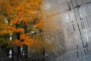 У неділю Україну накриють сильні зливи
