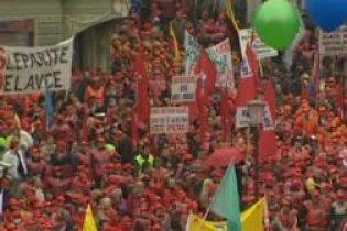 У Словенії держслужбовці розпочали безстроковий страйк