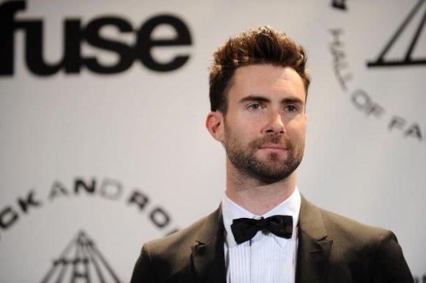 """Лідер """"Maroon 5"""" випускає власну лінію одягу"""