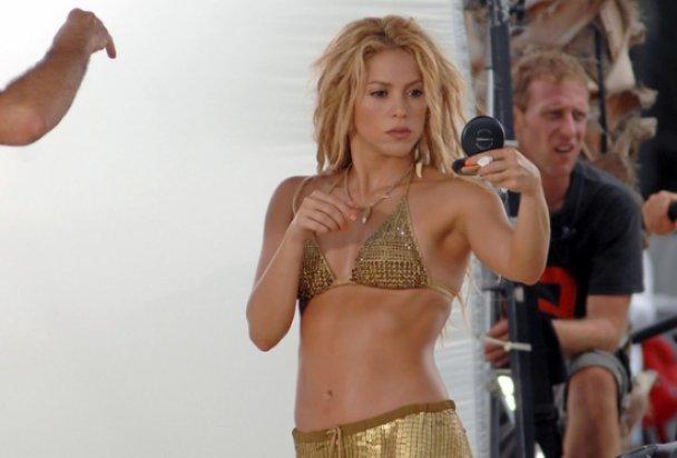 "Шакира ""в золоте"" танцевала танец живота"