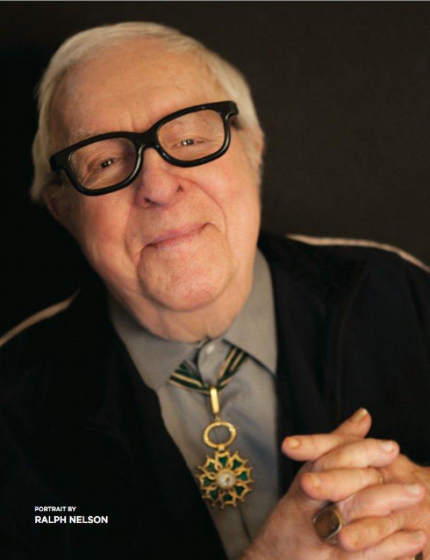 Фантаст Рэй Брэдбери отмечает 90-летие и советует любить жизнь так, как он
