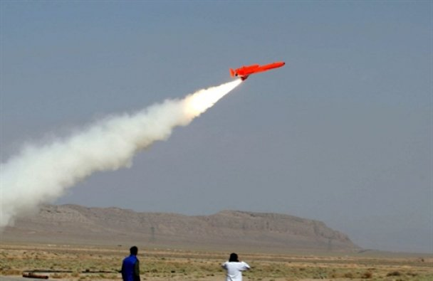 """Іран запустив свій перший бомбардувальник - """"посланець смерті"""""""