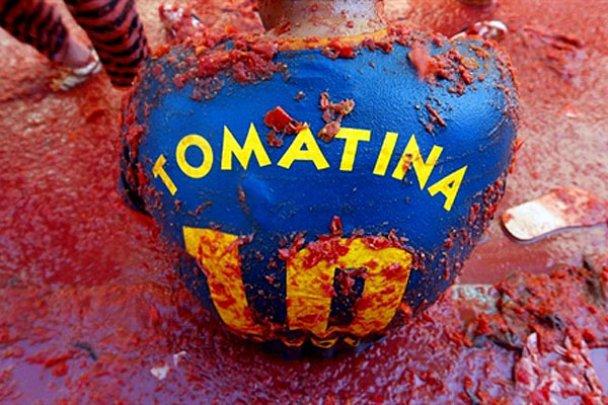 В Испании устроили битву томатов