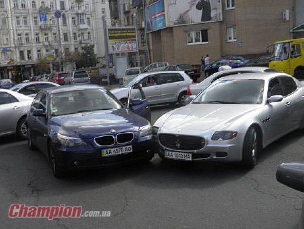 Мілевський протаранив BMW в центрі Києва
