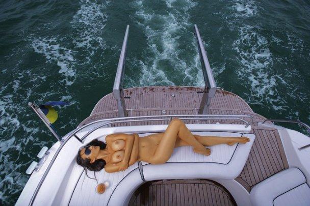 Секс-бомба из Playboy довела Януковича до слез (видео)