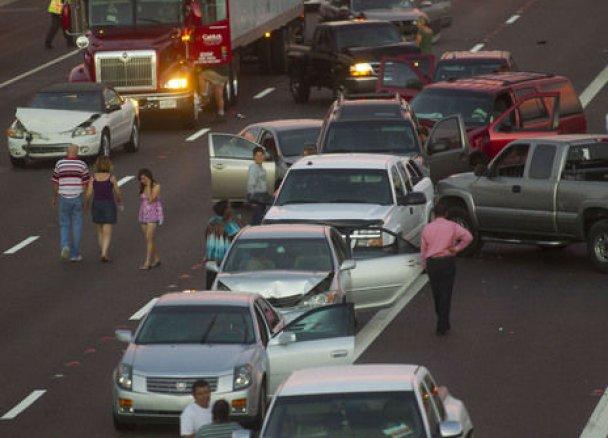 В США произошло масштабное ДТП с участием 69 автомобилей