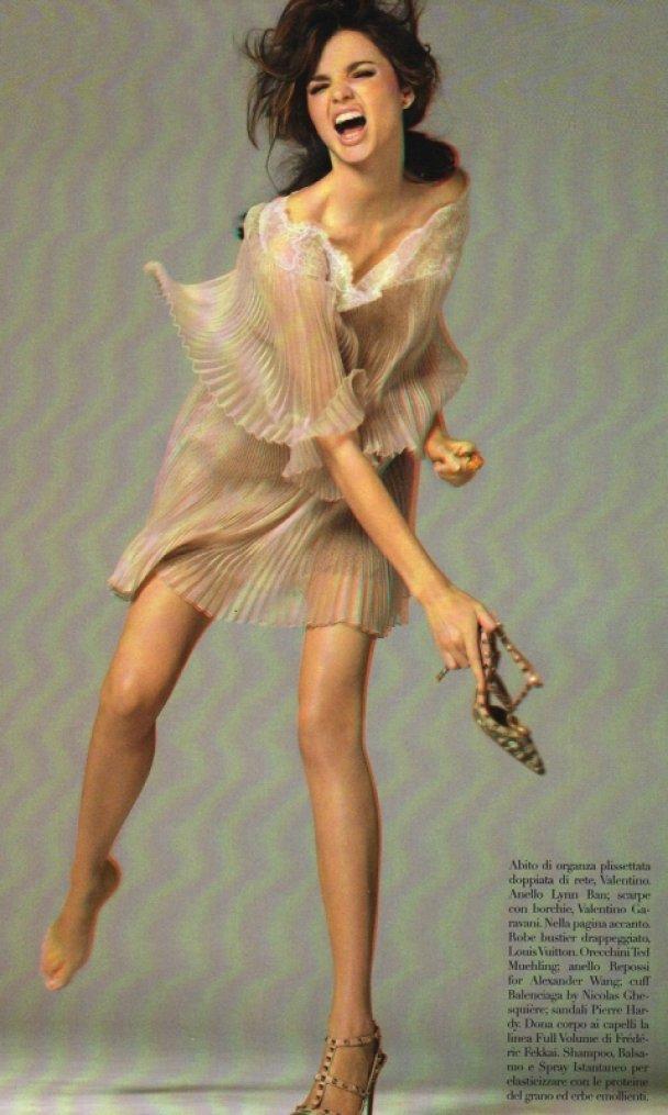 Вагітна Міранда Керр оголилася для Vogue