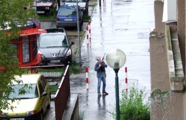 Военный в Братиславе расстрелял цыганскую семью