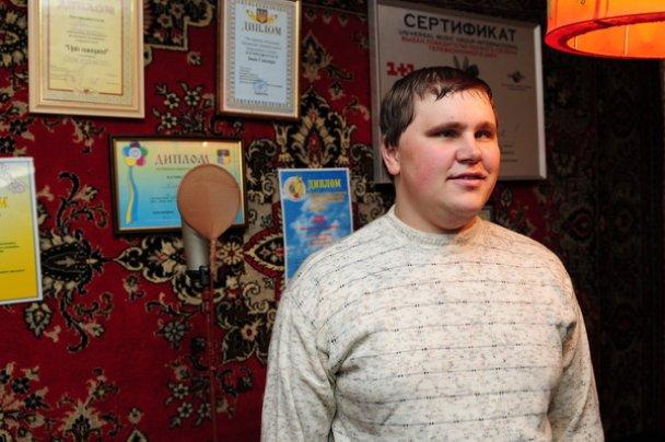 """""""Голос країни"""" Іван Ганзера підписав у селі контракт з Universal"""