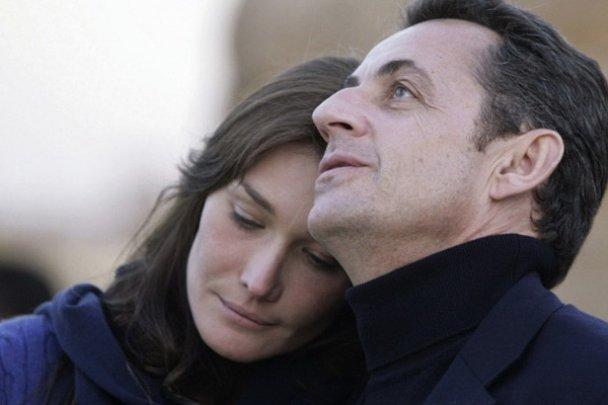 Папараці зловили Карлу Бруні із дочкою на руках