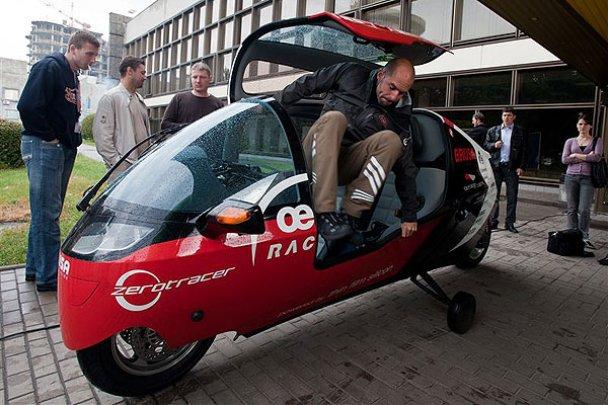 У Києві відбувся автопробіг на електромобілях