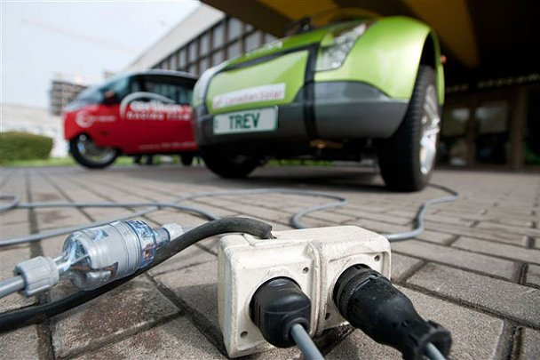 В Киеве состоялся автопробег на электромобилях