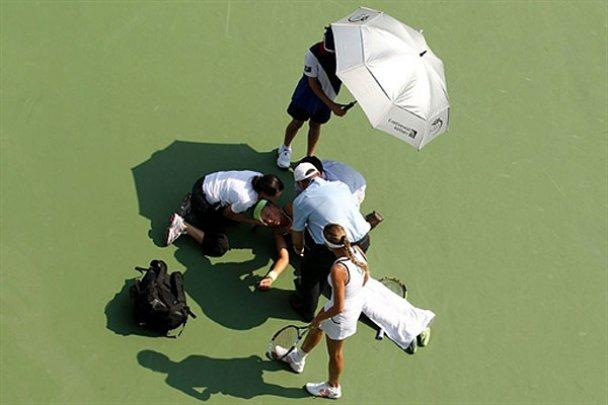 Белорусская теннисистка потеряла сознание во время игры